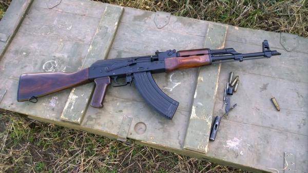 На территори КЧР  военнослужащие торговали оружием